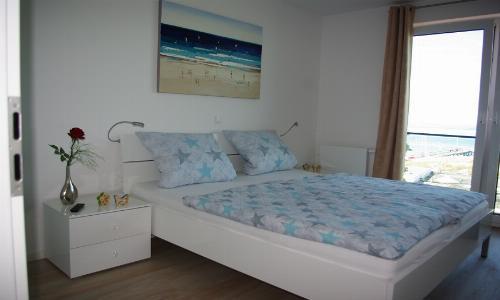 Schlafzimmer mit Doppeltbett...