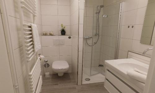 schickes Duschbad